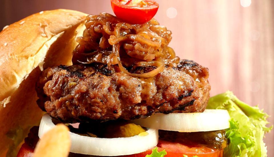 Hotel Grand Artos Magelang - Burger