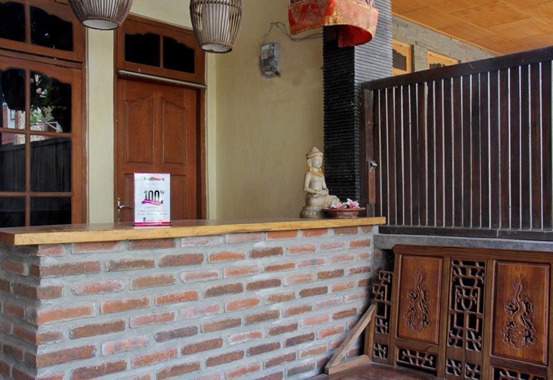 RedDoorz @Sriwijaya Legian Bali - Lobi