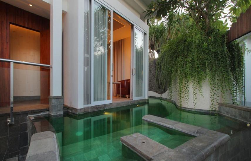 Taman Mesari Luxury Villas Seminyak - Lihat dua kolam