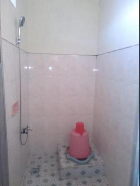 Homestay Wahyu Barokah Karanganyar - Bathroom