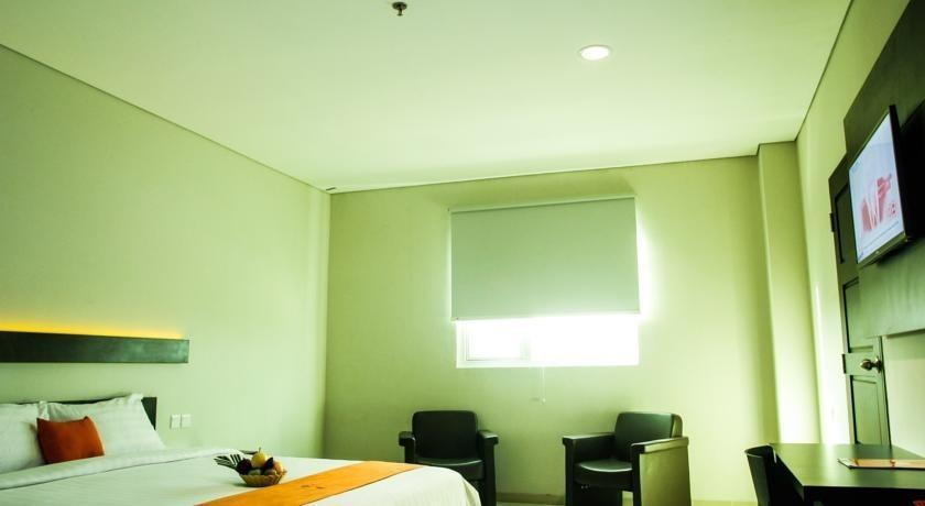 Alpha Hotel Pekanbaru - Kamar tamu