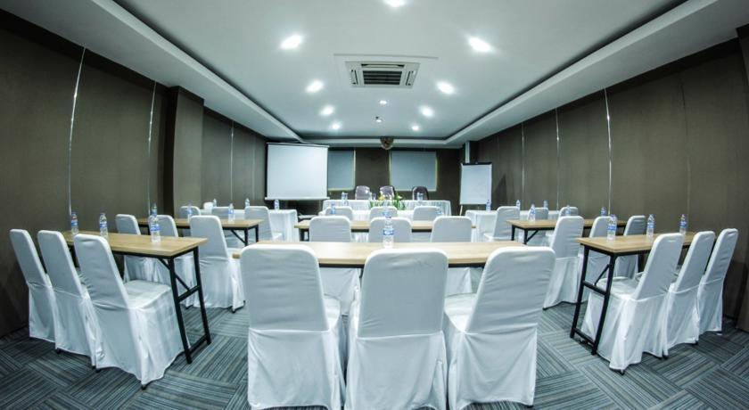 Hotel Alpha Makassar - Ruang Rapat
