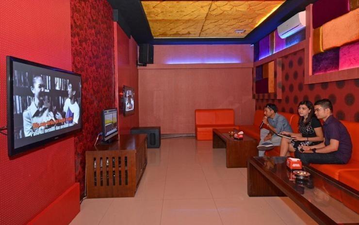The Axana Hotel Padang - karaoke