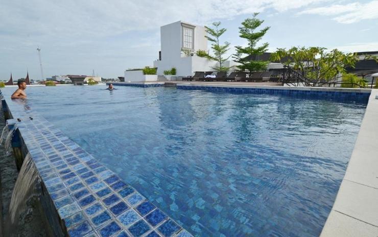 The Axana Hotel Padang - pool3