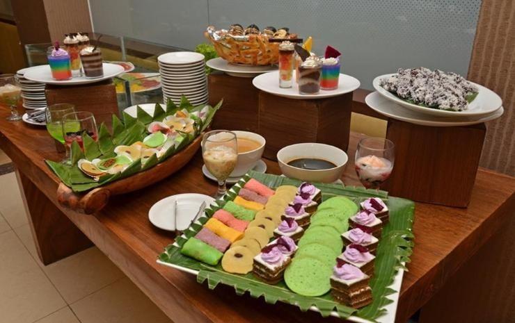 The Axana Hotel Padang - resto4