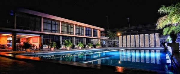 Hotel Nirwana Pekalongan - night swiming pool