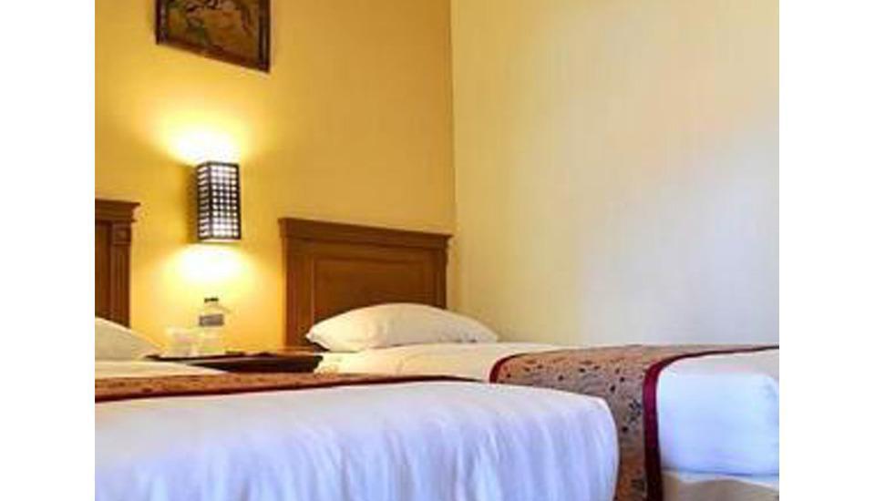 Hotel Nirwana Pekalongan - Room