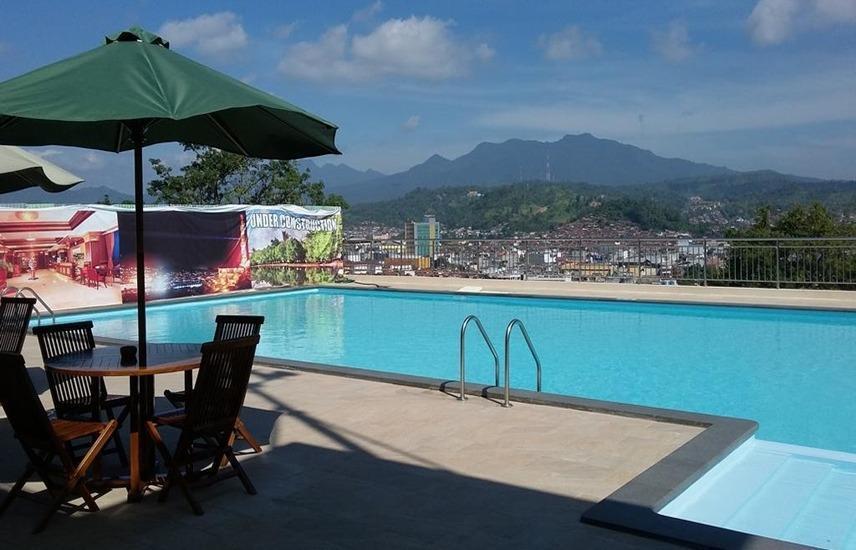 Bukit Randu Hotel And Resort Bandar Lampung - Kolam Renang