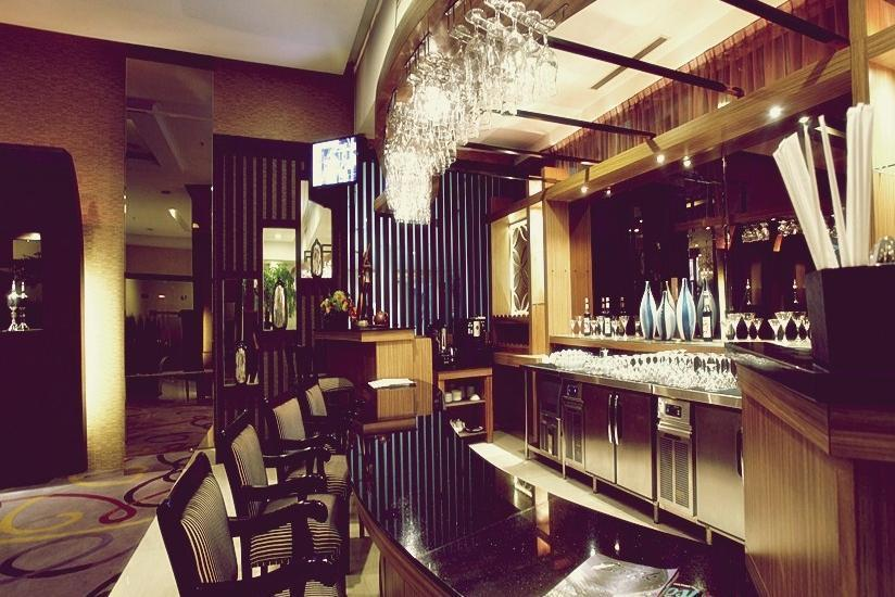 Grand Serpong Hotel Tangerang - Bar and Lounge