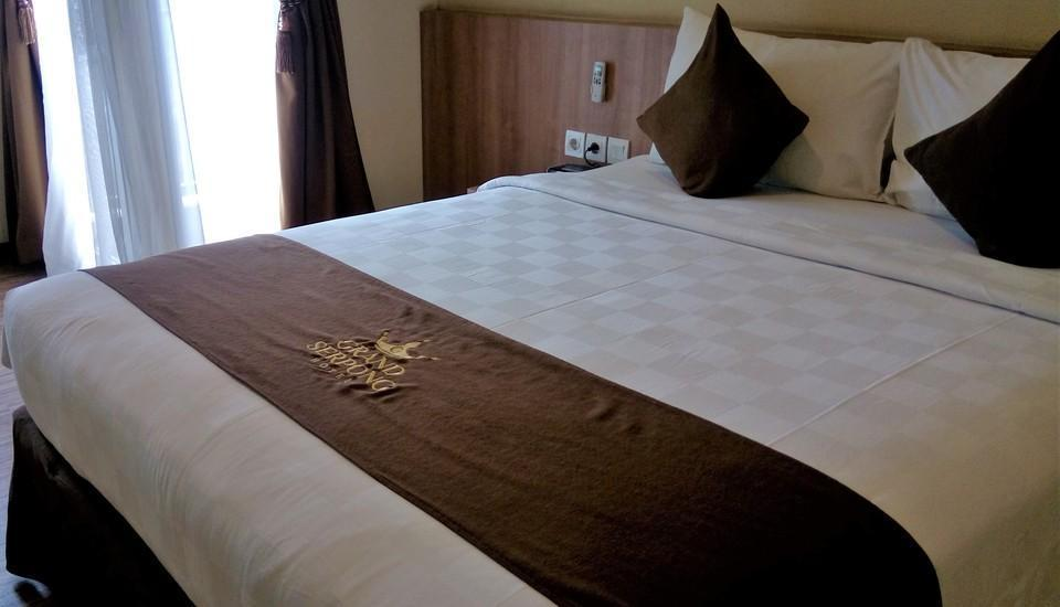 Grand Serpong Hotel Tangerang - Superior Queen Room Room Only Regular Plan