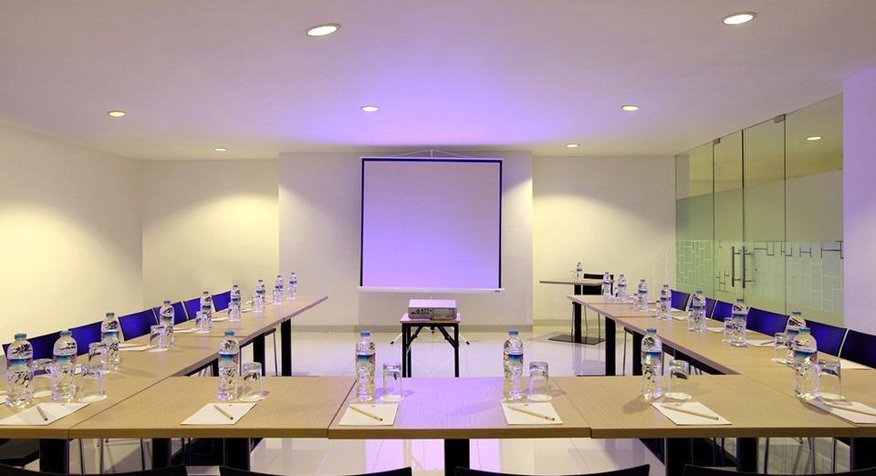 Amaris Padjajaran Bogor - Ruangan Pertemuan