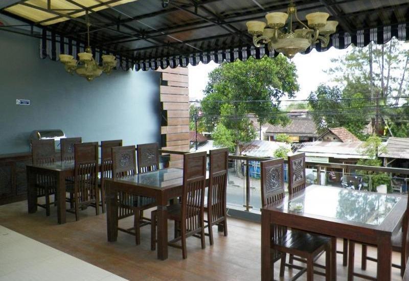NIDA Rooms Hasyim Kraton Taman Pintar - Restoran
