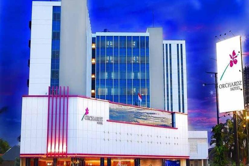 Orchardz Hotel Bandara Tangerang - Hotel Building