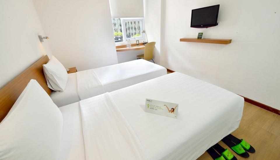 Whiz Hotel Malioboro Yogyakarta - Superior Twin Single Occupancy Regular Plan