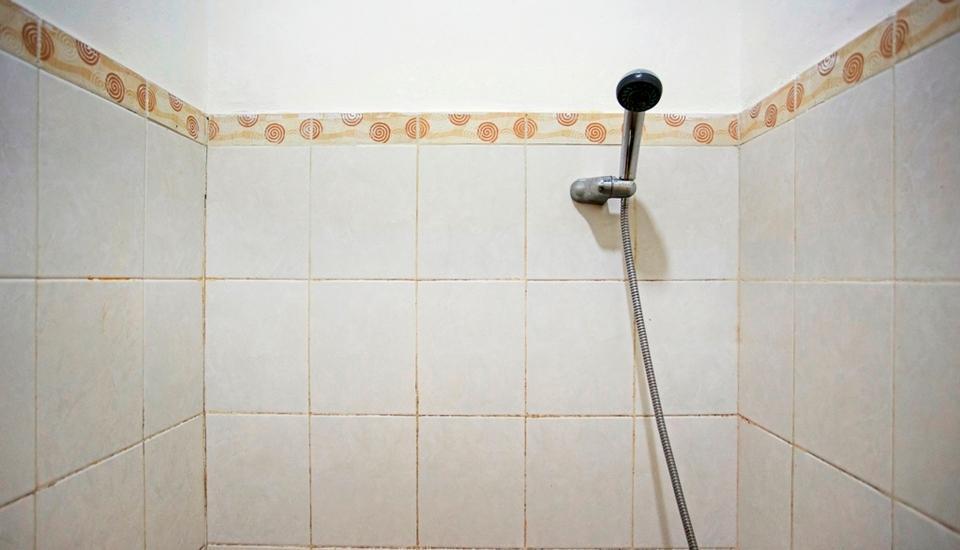 RedDoorz @Kebon Kacang Jakarta - Kamar mandi