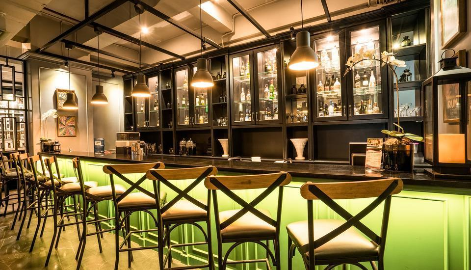 Maple Hotel Grogol Jakarta - Bar