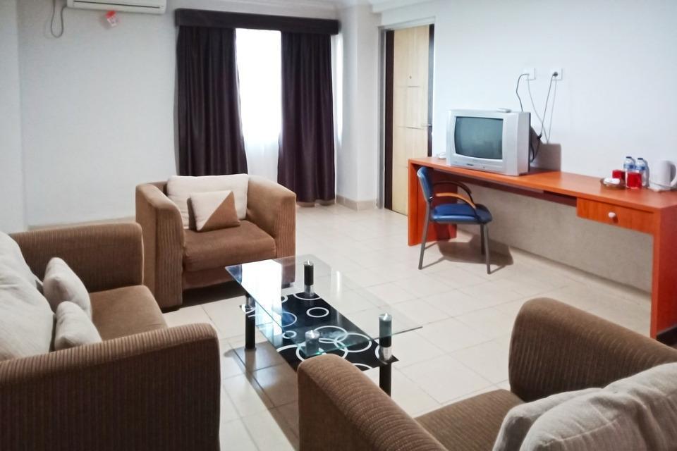 University Hotel Jogja - Living Room Deluxe