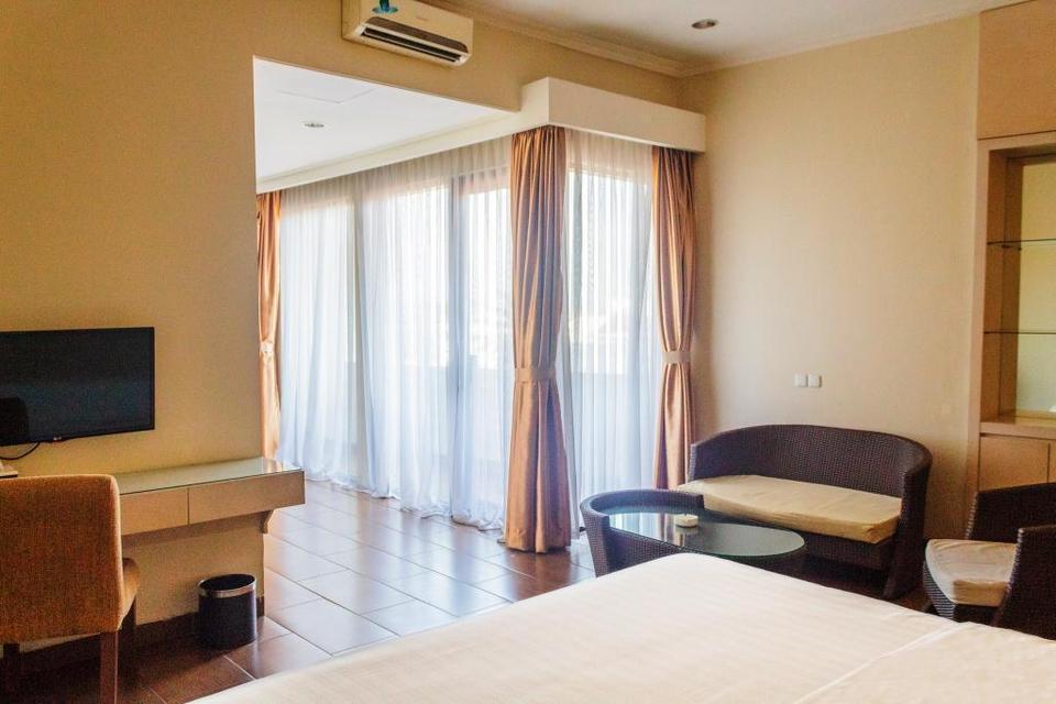 Anugrah Hotel Sukabumi - Deluxe With Balcony Regular Plan