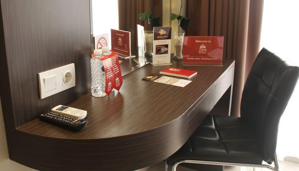 ZEN Premium Raya Lembang Bandung - Kamar Double