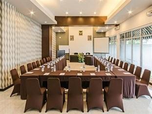 Hotel Endah Parahyangan Bandung - Meeting Room