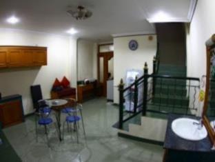 Brigittes House Padang - Ruangan Dalam Hotel