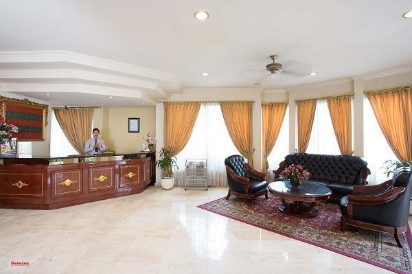 Hotel Indah Palace Yogyakarta - lobby