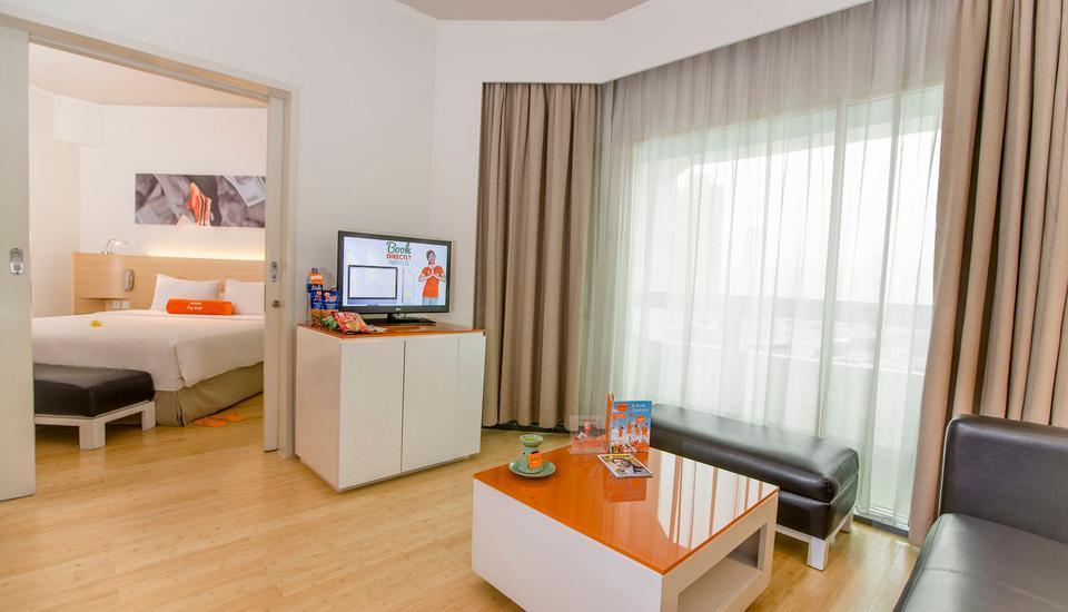 HARRIS Hotel Tebet Jakarta - HARRIS Suite Living room