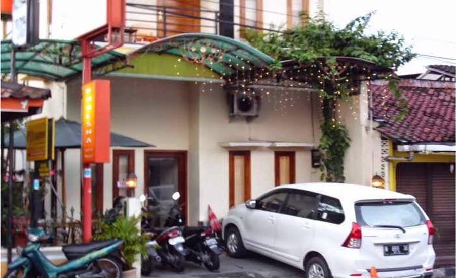 Khresna Guesthouse Yogyakarta - Eksterior