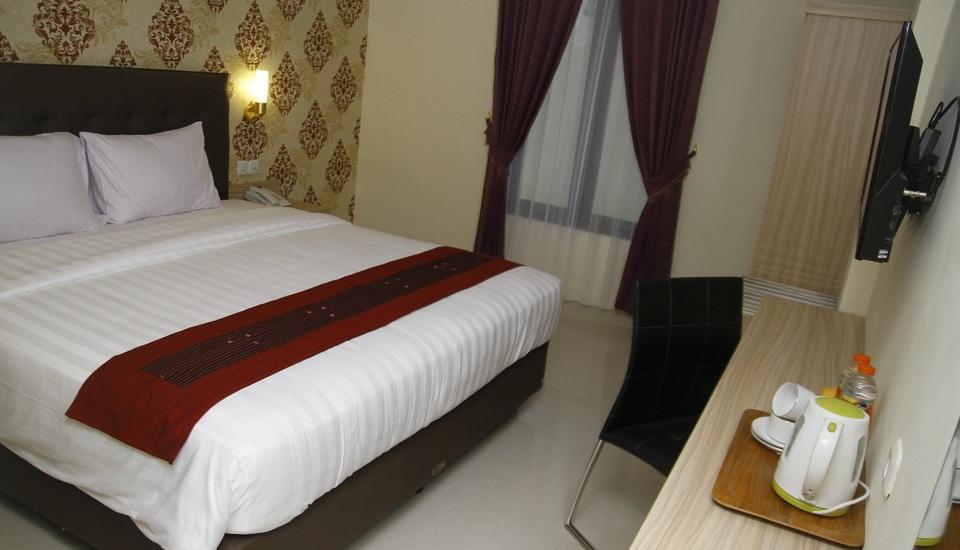Hersya Front One Inn Surabaya - Kamar Superior