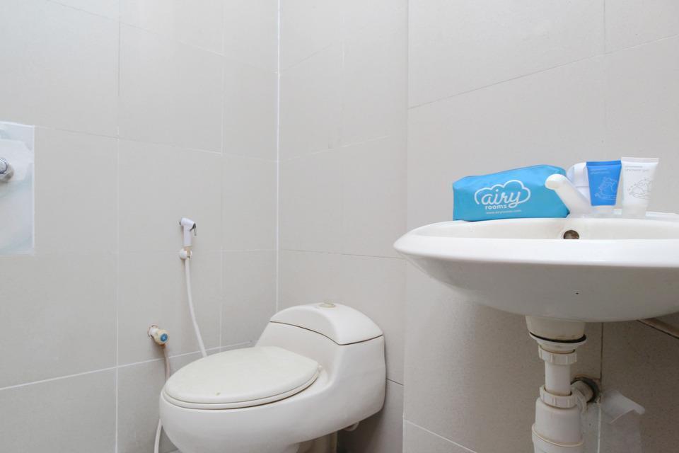 Airy Eco Tanjung Duren Timur Raya 11 Jakarta Jakarta - Bathroom