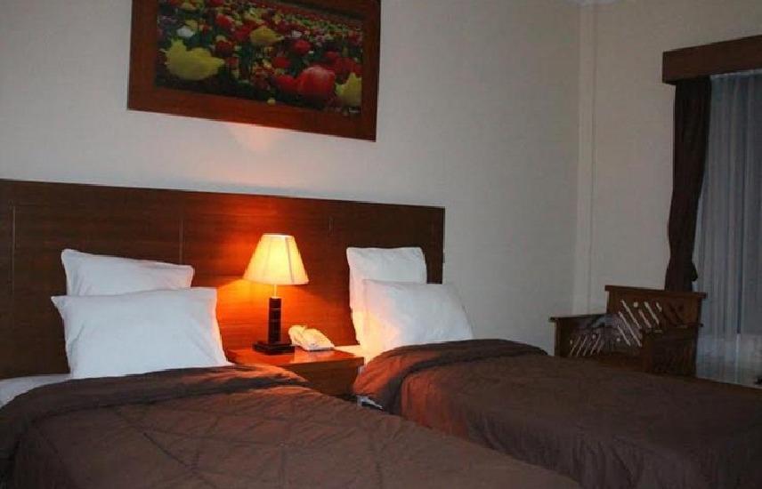 Iscalton Courteous Hotel Sukabumi - Standard Room Regular Plan
