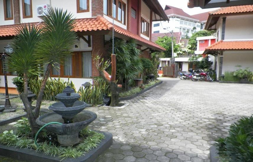 Hotel Puri Larasati Bandung - Eksterior