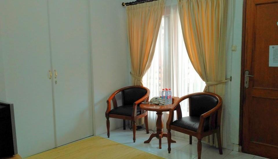 Hotel Puri Larasati Bandung - Living Room Graha Larasati