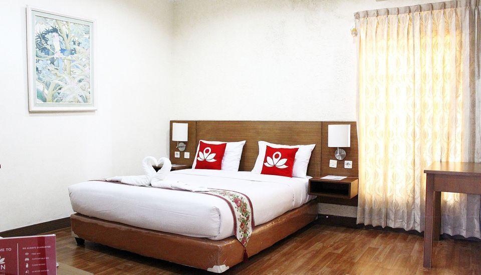 ZEN Premium K. H. Moh Toha Ciawi - Tempat Tidur Double