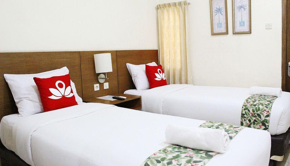 ZEN Premium K. H. Moh Toha Ciawi - Tempat tidur Twin