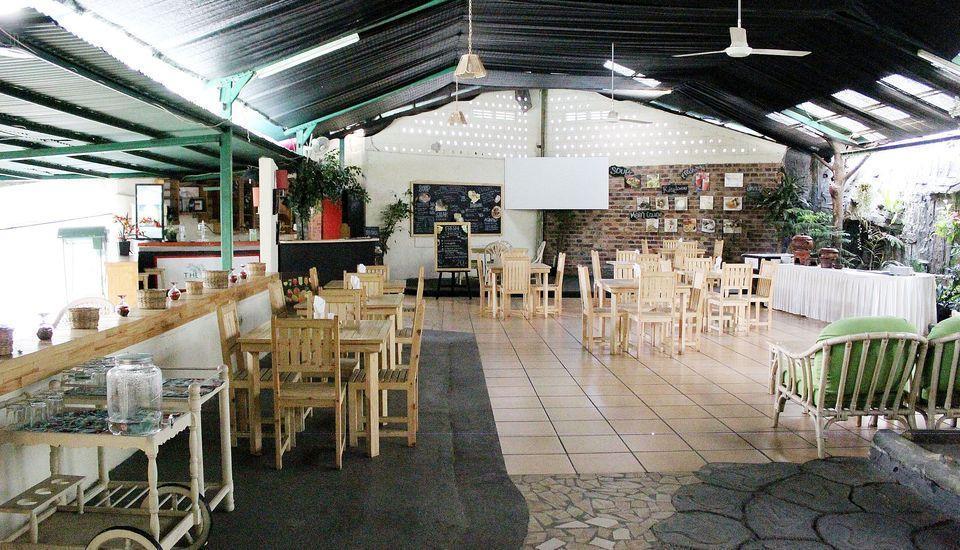 ZEN Premium K. H. Moh Toha Ciawi - Restoran