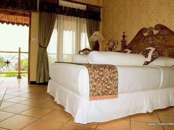 Omah Sinten Heritage Hotel Solo - Kamar Tidur