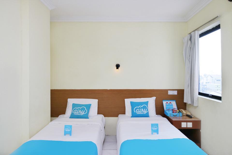 Airy Eco Sawah Besar Kartini Lautze 24 Jakarta Jakarta - Deluxe Twin Room Only Special Promo Jan 24