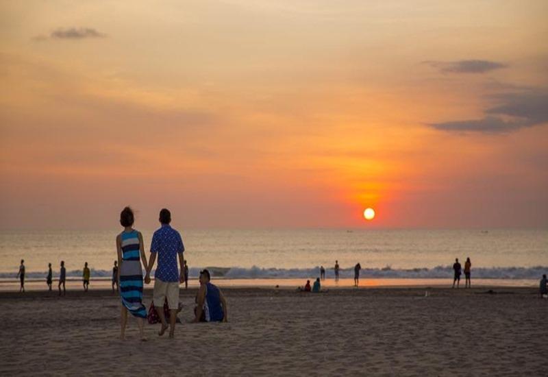 Umah di Seminyak Bali - Matahari terbenam