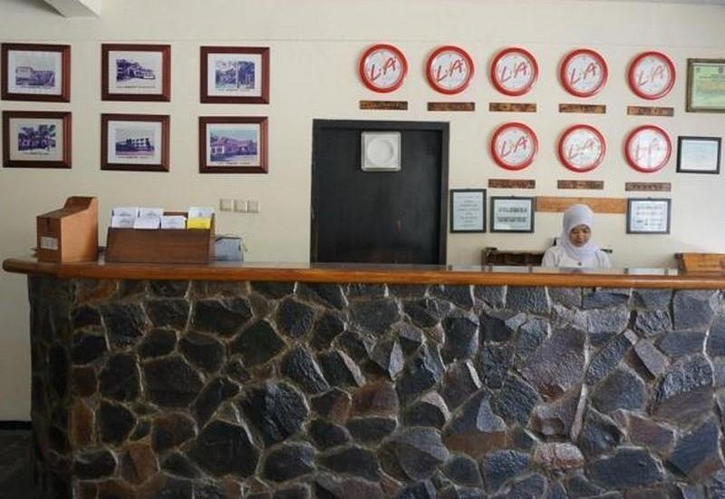 Hotel Augusta Garut - Receptionist