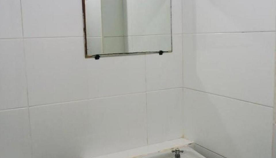 Hotel Augusta Garut - Bathroom