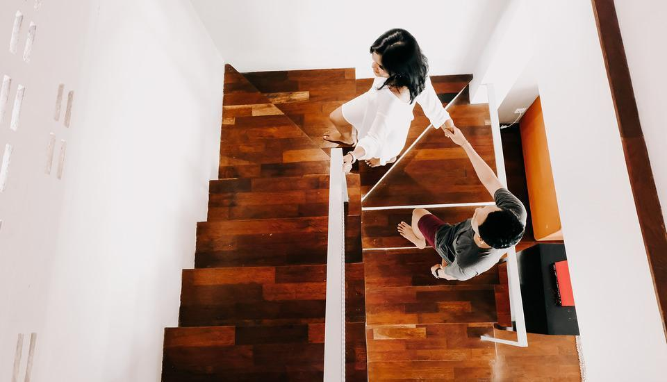 18 Suite Villa Loft Bali - Stairs to Master Bedroom