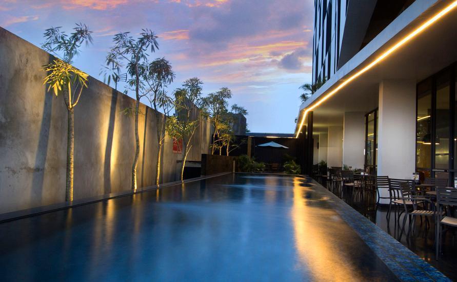 Hotel Neo Tendean Jakarta - Swimming Pool