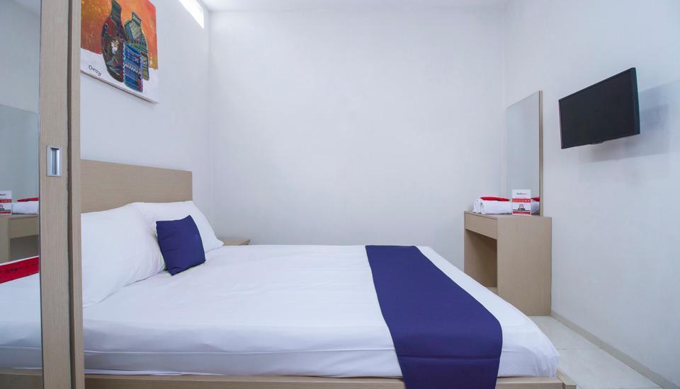 Kost Mas Mansyur Jakarta - RedDoorz Room Regular Plan