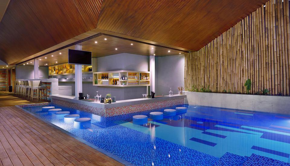 Vasanti Kuta Hotel Bali - CABANA Pool & Sky Bar