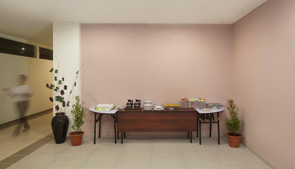 Zest Hotel Yogyakarta - Penataan rehat kopi