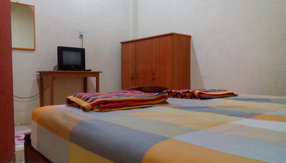 pondok cemara Medan - Kamar dengan tempat tidur 6 kaki
