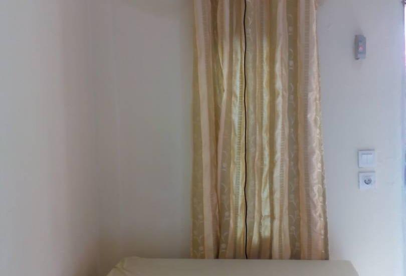 pondok cemara Medan - meja kamar deluxe
