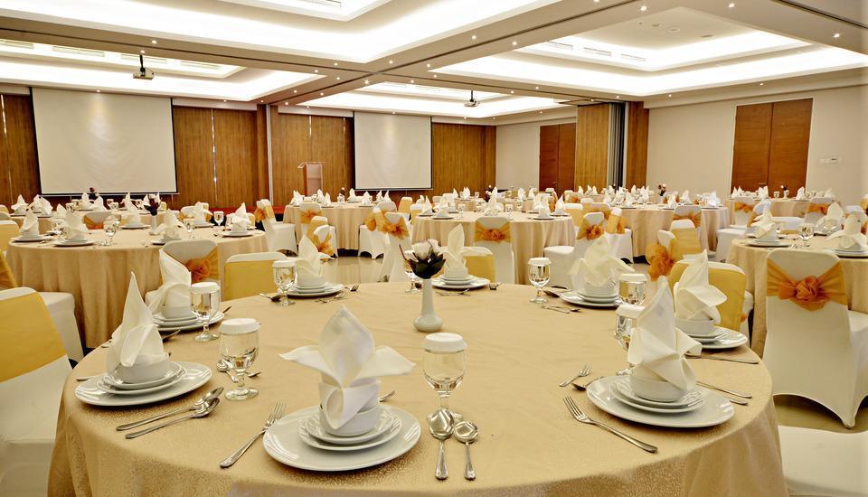 TreePark Hotel Banjarmasin - Ballroom