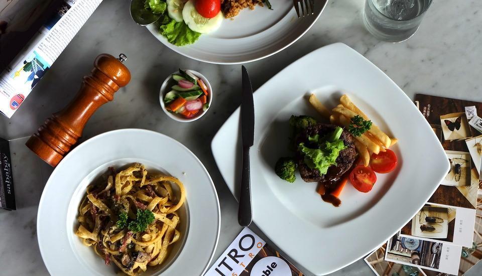 TreePark Hotel Banjarmasin - Foods
